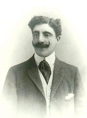 Gilbert, premier fils de Patrice et de Christine d'Espagnet, décéda en 1938. Il est le dernier comte de Nugent en France.