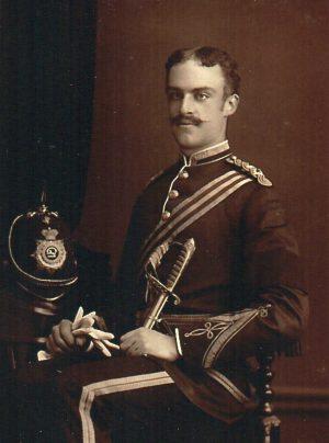 Jacques, cinquième enfant de Charles et d'Henriette, après son service militaire comme officier anglais sur l'île de Guernesey (photo), partit pour la Floride en 1885. Il décéda à Miami en 1914.
