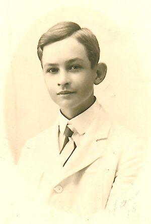 Patrick, le fils de Jacques et de Florence Does, sa première épouse, à l'âge de 15 ans. Il n'eut qu'une fille.