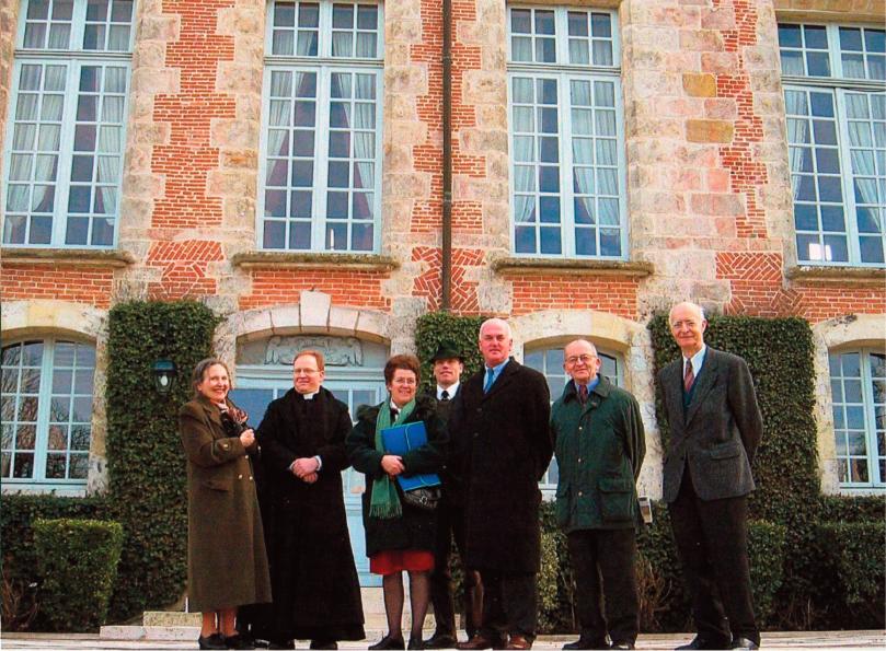 Quelques années plus tard, en 2006, grâce à une connaissance de la S.D.M. (Association de Sauvegarde des Mesnuls), plusieurs cousins purent visiter le château des Mesnuls.